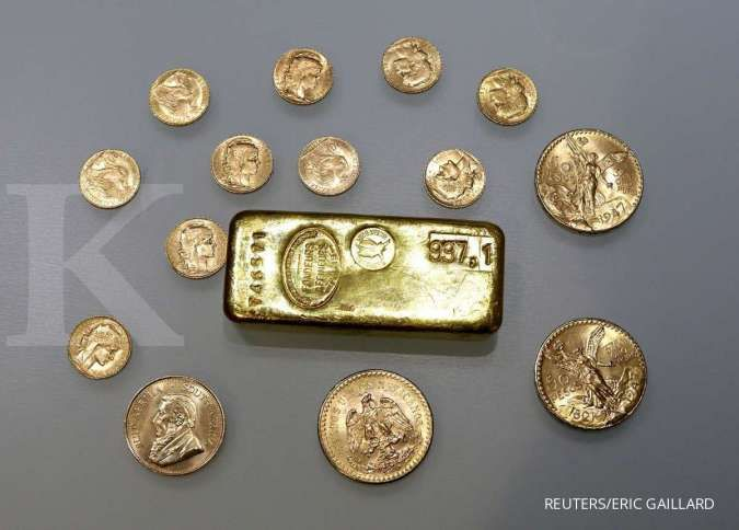 Gold pops over 1% as U.S. jobs data miss cools Fed taper bets