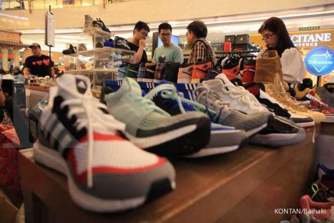 Permintaan sneakers berkurang di tengah wabah virus corona