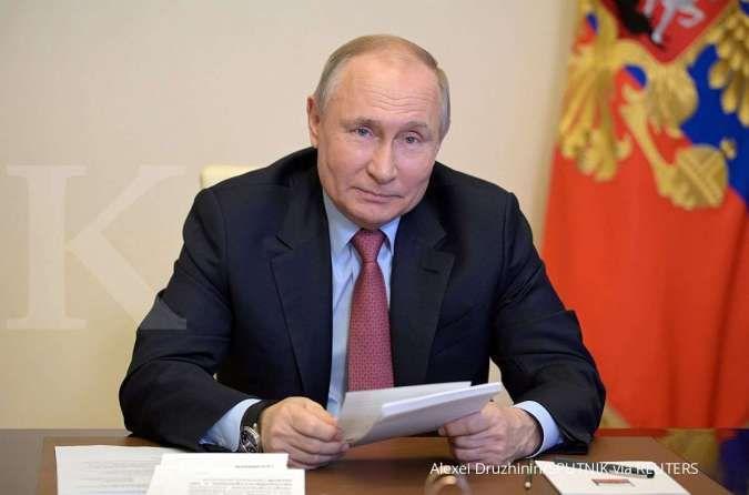 Ketegangan dengan Barat memanas, Vladimir Putin tinjau kekuatan militer Rusia