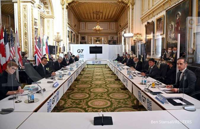 Hundreds of former leaders urge G7 to vaccinate poor against Covid-19