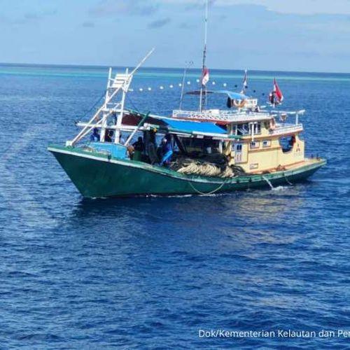 KKP Tertibkan Kapal Indonesia yang Melanggar di Selat Makassar