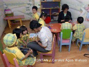 Peluang terbuka gara-gara orang tua sibuk mendorong si kecil berbahasa Inggris