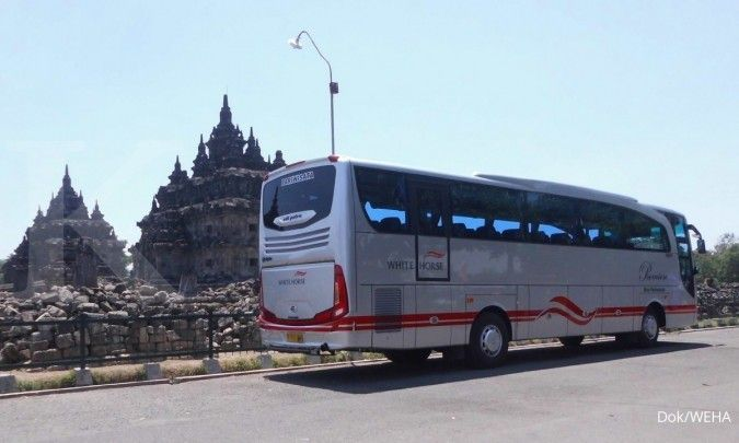 Bus pariwisata laris untuk mudik