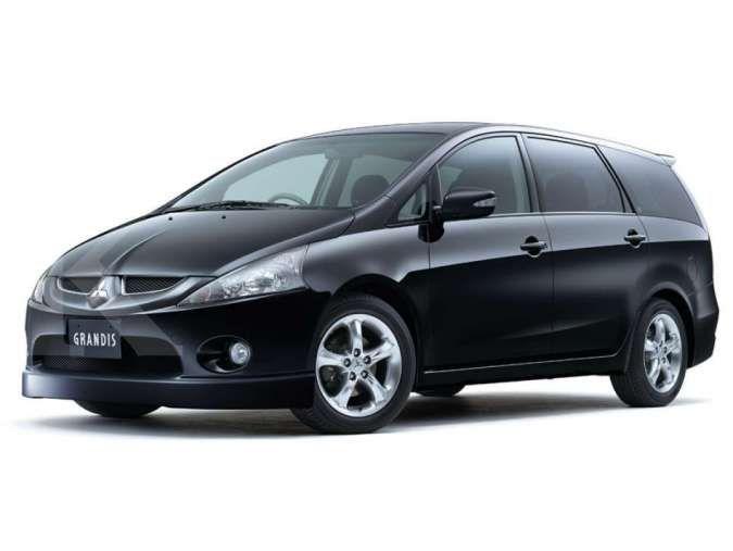 Harga mobil bekas Mitsubishi Grandis mulai Rp 70 juta, yuk simak spesifikasinya