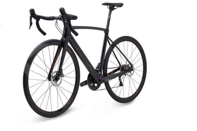 Sepeda balap polygon strattos s8 dengan rem cakram