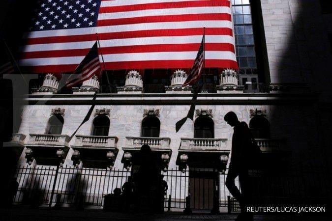 Investor evaluasi harga saham, bursa AS turun