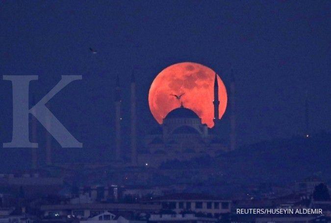 Ini tata cara shalat gerhana bulan saat Super Blood Moon malam ini