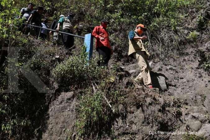 Ganjar Pranowo blusukan bersafari kurban ke desa terpencil di lereng Gunung Merapi