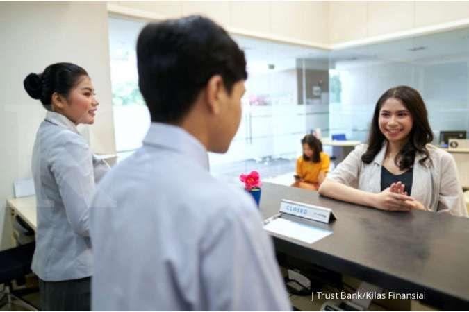 J Trust Bank menawarkan program-program deposito dengan bunga kompetitif jelang akhir tahun.