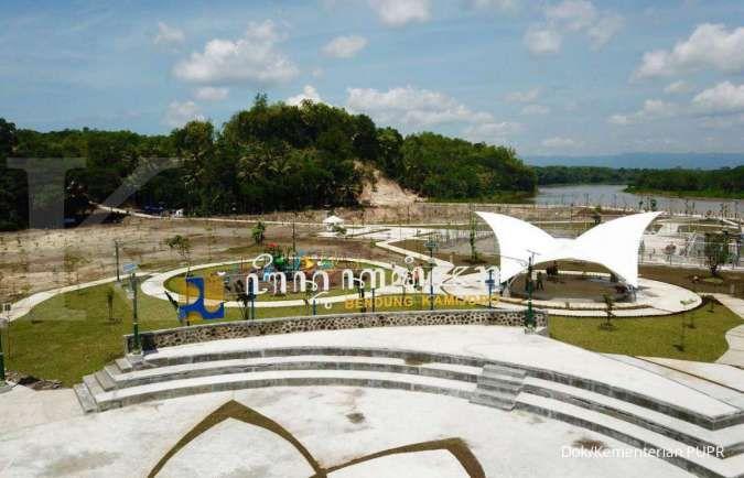 Selain sumber air baku dan irigasi, bendung Kamijoro menjadi magnet tujuan wisata
