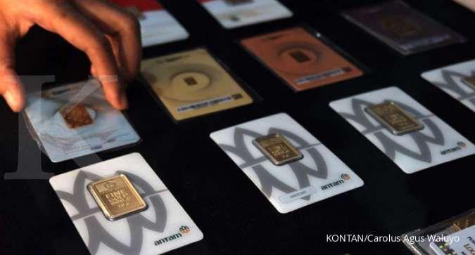 Harga emas Antam turun Rp 5.000 menjadi Rp 943.000 per gram pada Rabu (15/4)