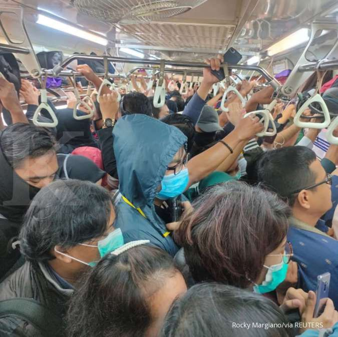 Syukurlah, jadwal KRL Commuter Line kembali normal mulai sore ini