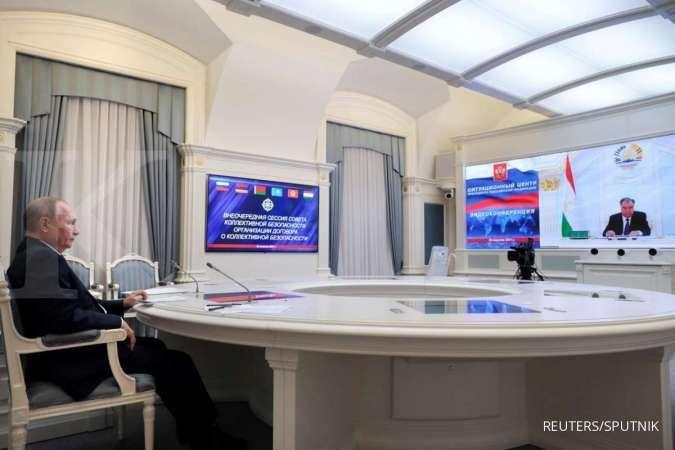 Vladimir Putin batuk-batuk, dia bilang jangan khawatir