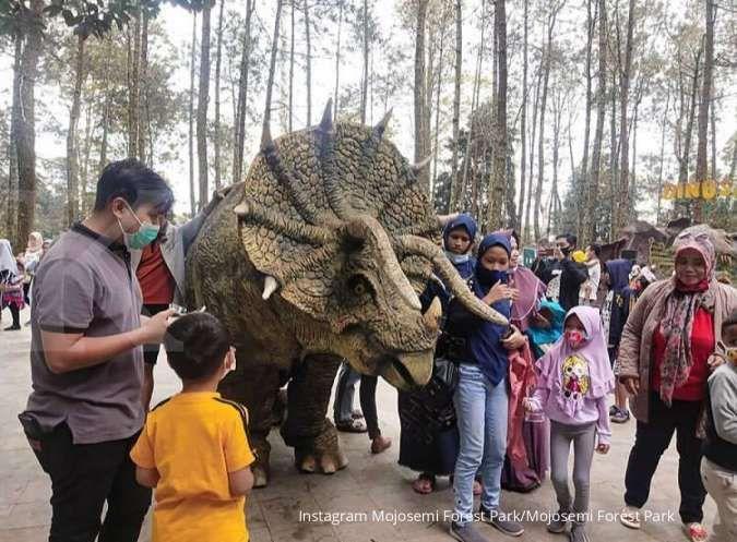 Mojosemi Forest Park, tempat wisata di Magetan yang punya koleksi replika dinosaurus