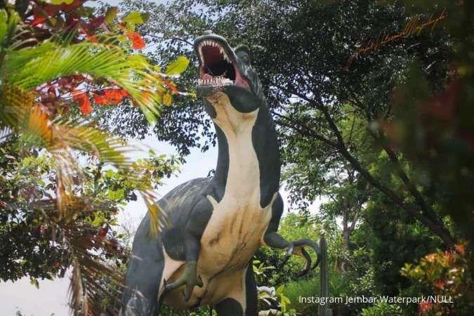 Unik! Anak-anak bisa berenang sambil mengenal jenis dinosaurus di Jembar Waterpark