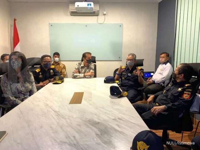 Pejabat Bea Cukai Jakarta dan Marunda menyambangi PT Orson Indonesia
