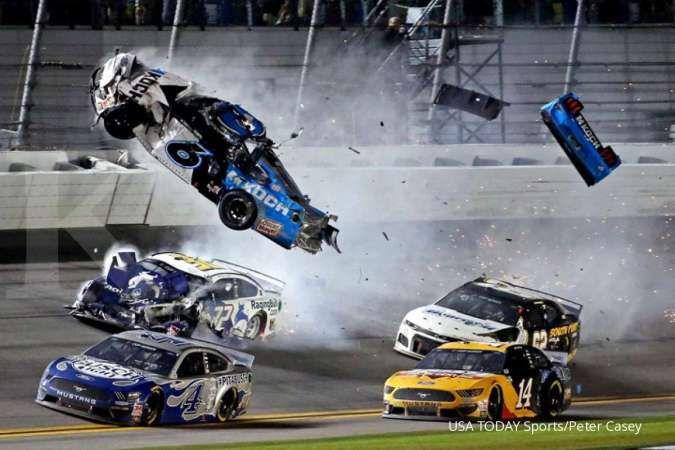 Balap NASCAR akan dilanjutkan pada pertengahan Mei tanpa penonton