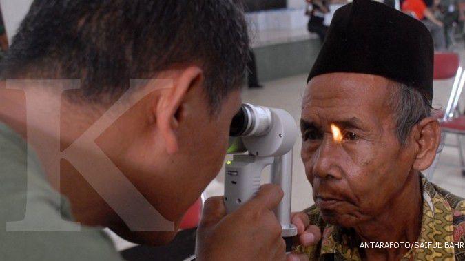 Cara mencegah mata katarak, lakukan sejak usia 40 tahun