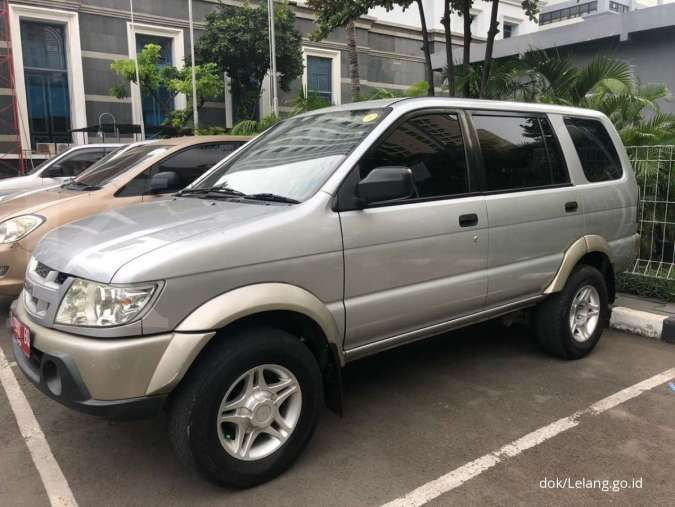 Harga murah hanya 2 unit dalam lelang mobil dinas Isuzu Panther LV, Rp 50 jutaan