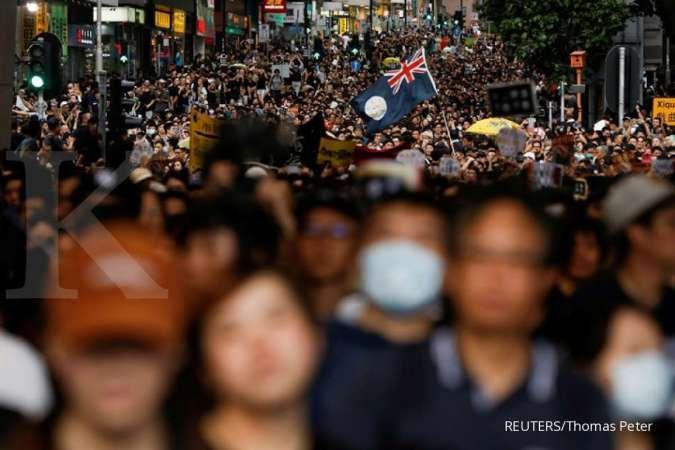 Harta amblas US$ 15 miliar, orang-orang terkaya Hong Kong serukan stop aksi demo