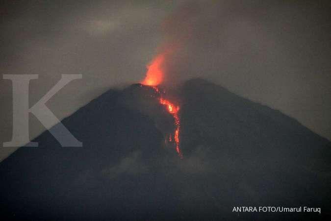Gunung Semeru meletus, luncurkan awan panas hingga 4,5 km, masyarakat diminta waspada