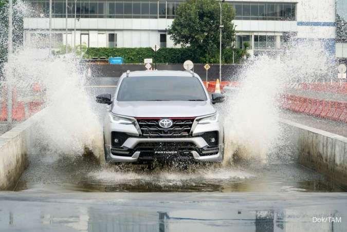 Mobil Toyota Fortuner terbaru yang mengaspal di Indonesia