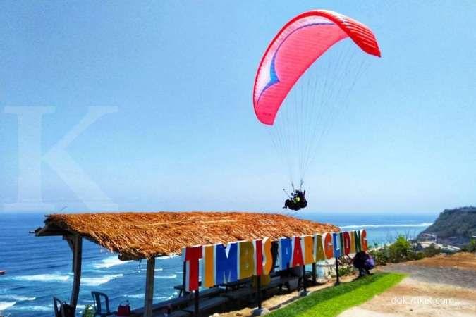 Seru-Seruan Bersama Tiket.com! Ada Paket Timbis Paragliding di Bali