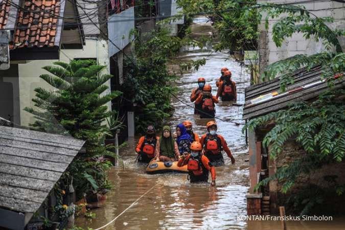 Tetap waspada banjir, musim hujan di Indonesia masih akan berlangsung hingga April