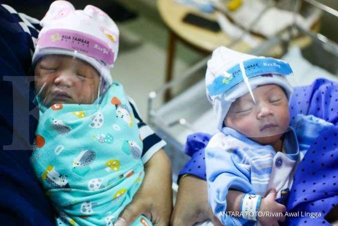 Ini cara menyiapkan kakak agar siap menyambut kehadiran adik bayi