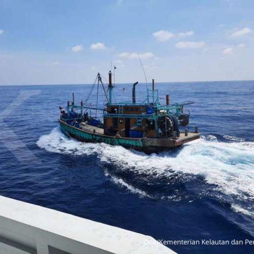 Propeller Kapal Pengawas Sempat Terlilit Tali, KKP Ringkus Kapal Pencuri Ikan Asal Malaysia