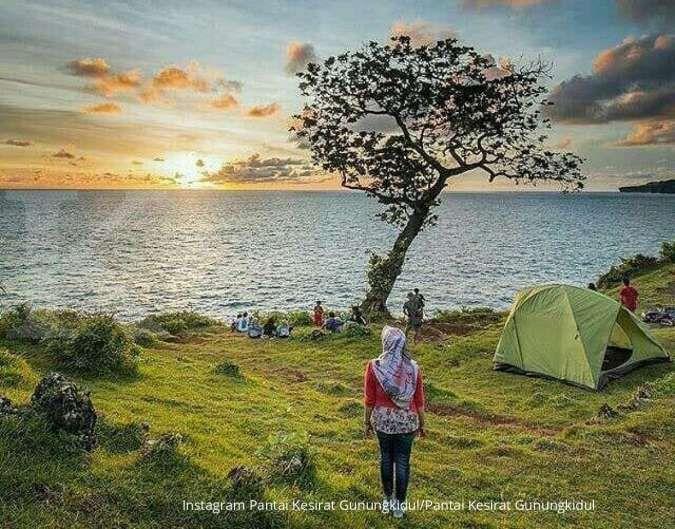 Seru! Pengunjung bisa berkemah di Pantai Kesirat Gunungkidul