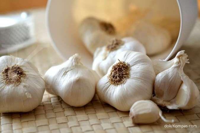 Bawang putih bisa Anda manfaatkan sebagai obat asma.