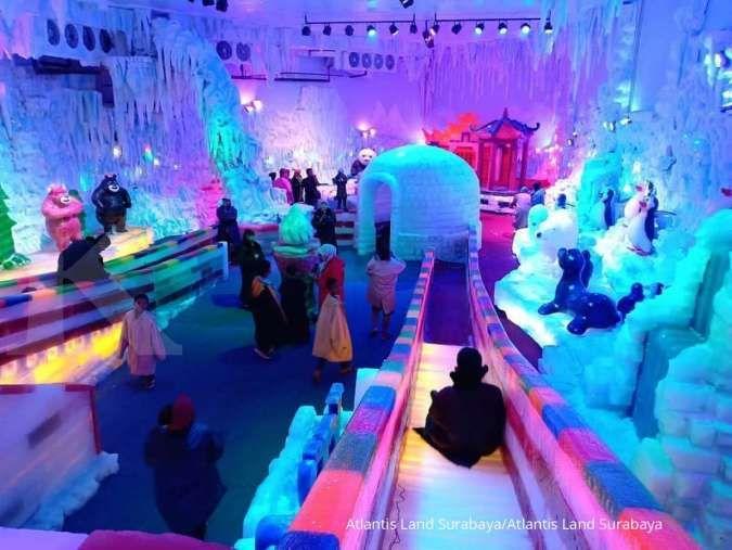 Atlantis Land Surabaya punya istana es dengan suhu -15° Celcius layaknya di Kutub Utara. Dok: InstagramAtlantis Land Surabaya.