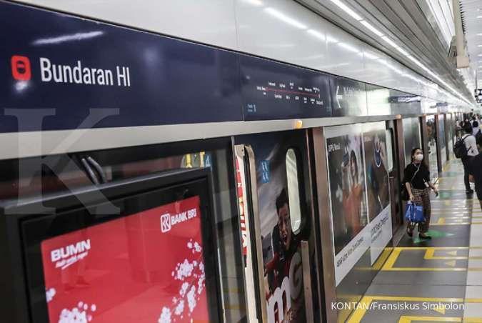 Anies cabut pembatasan operasional transportasi publik, stasiun MRT sepi hari ini