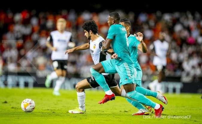 Hasil La Liga Spanyol Valencia vs Real Madrid. Los Blancos bekuk Los Che 1-2