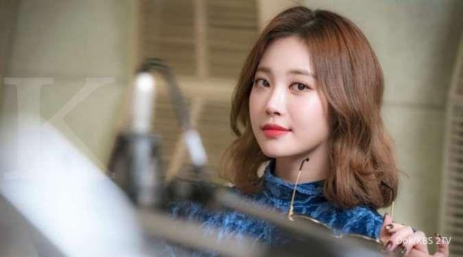 Yura Girl's Day dalam drama Korea Radio Romance.
