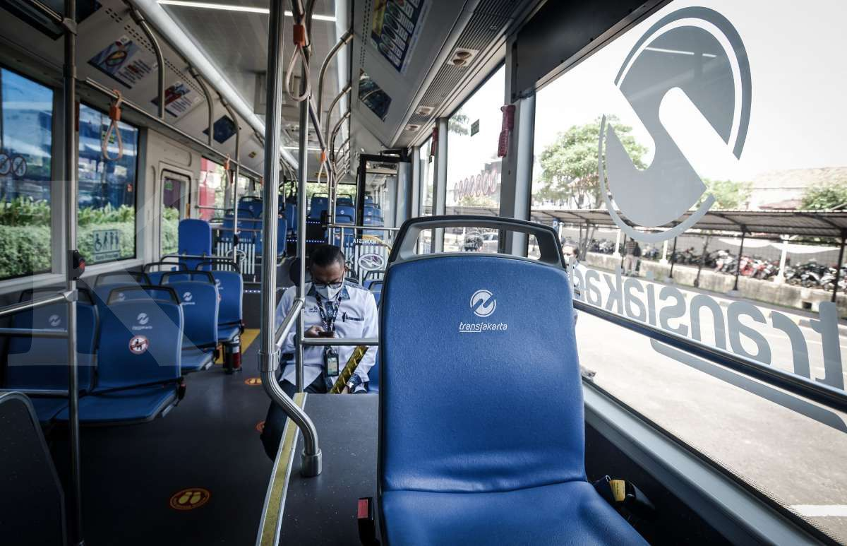 Interior bus listrik Transjakarta