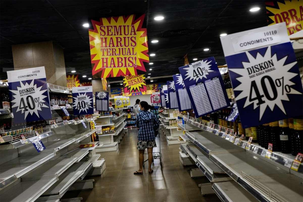 Rak kosong Hero Supermarket