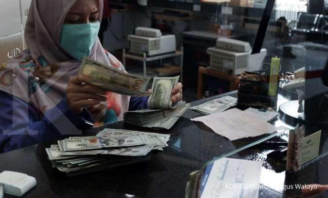 Pasar cenderung beralih ke safe haven dan ini akan menekan kurs rupiah atas dolar AS.