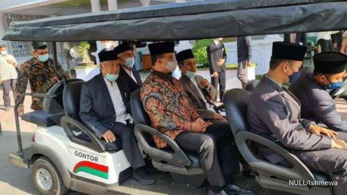 Gubernur DKI Anies Baswedan sowan ke kiai Pondok Modern Darussalam Gontor, Jatim