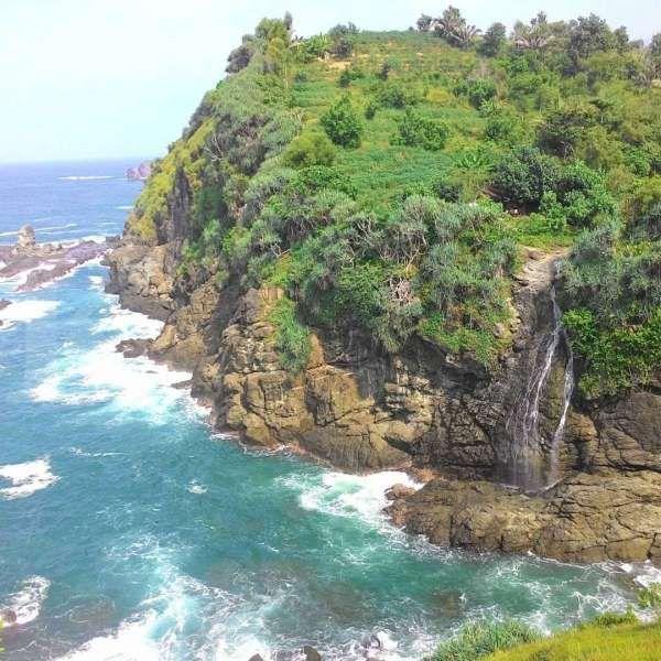 Berwisata ke Gunungkidul, Pantai Watu Lumbung bisa jadi destinasi pilihan
