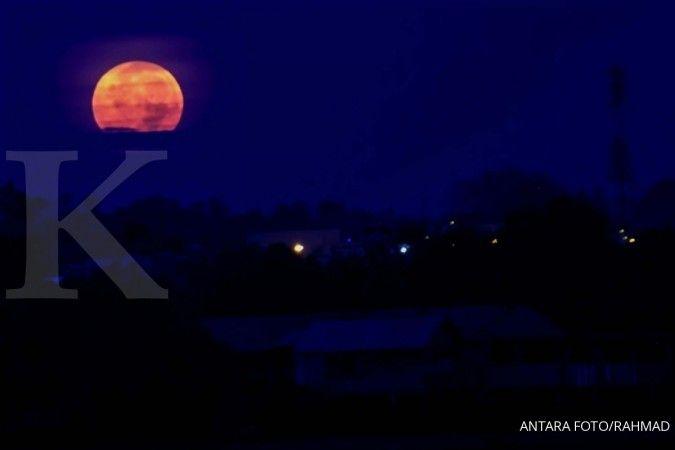 Jangan lewatkan sore ini ada fenomena perigee, bulan tampak lebih besar