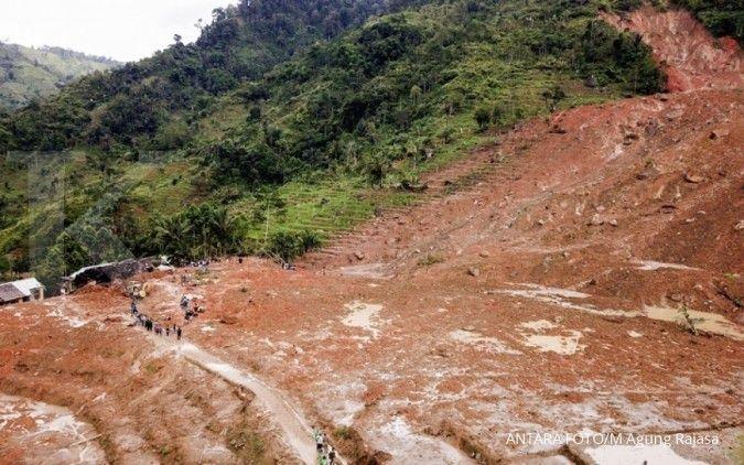 Sudah 3 hari akses Malang-Kediri putus akibat tertutup material longsor