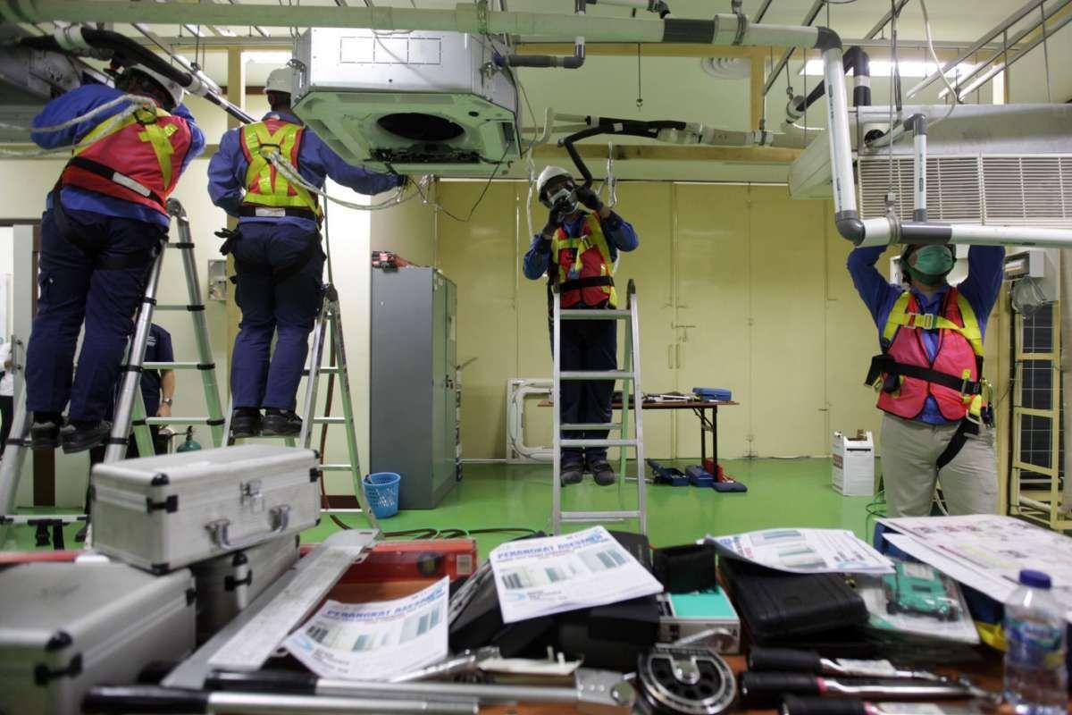 Uji kompetensi untuk sertifikasi teknisi AC