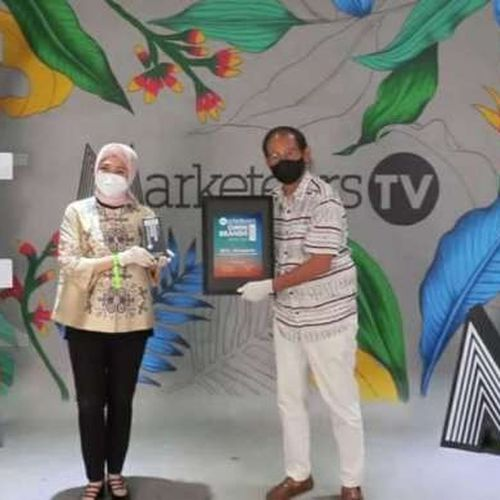 Kolaborasi Mengedukasi Pasar Mengantarkan BCA & Kumparan Meraih Penghargaan Marketeers OMNI Brands of The Year 2021