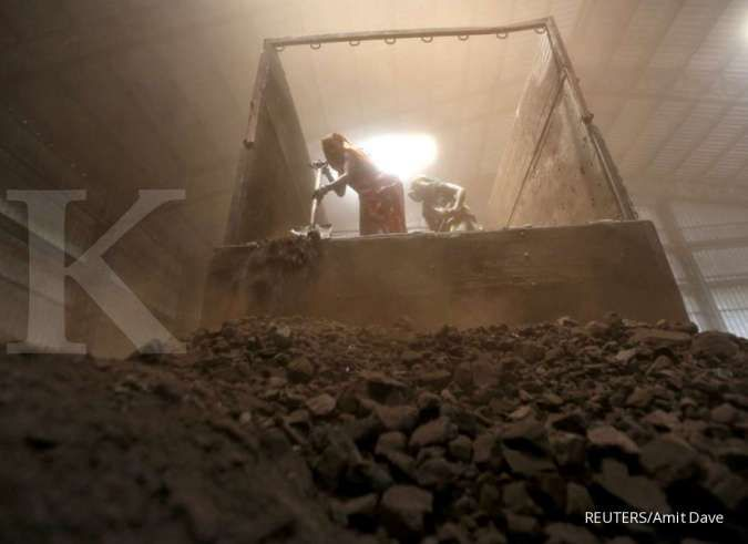 India seeks to move coal to areas of shortage as power demand rises