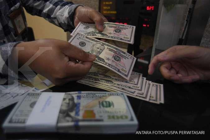 Para analis memproyeksikan, rupiah berpotensi jebol di bawah Rp 14.000 per dollar AS.