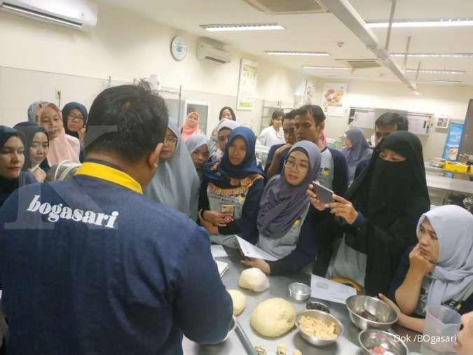 Pelaku UKM binaan pemda Depok ikuti pelatihan pengolahan makanan di pabrik Bogasari
