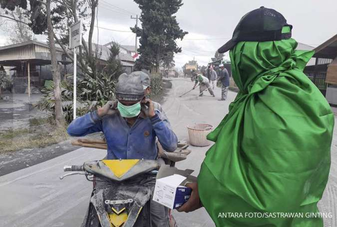 Debu vulkanik erupsi Gunung Sinabung menerjang 4 wilayah