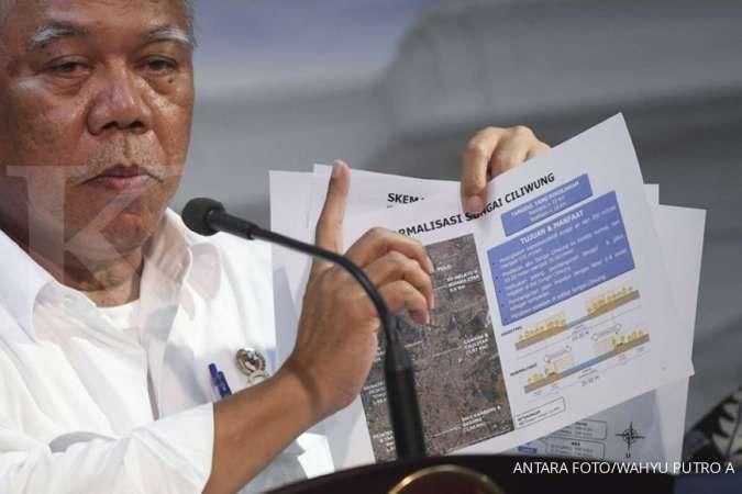 Menteri PUPR Basuki Hadimuljono memberikan keterangan pers seusai rapat kabinet terbatas di Kantor Presiden, Jakarta, Jumat (3/1/2020). Rapat tersebut membahas pencegahan dan penanganan dampak banjir di Jabodetabek dan Banten. ANTARA FOTO/Wahyu Putro A/aw